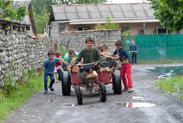 ბავშვები დუისის ქუჩებში