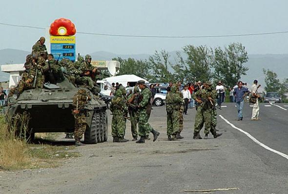 რუსული ჯარი გორის შესასვლელთან 2008 წლის აგვისტო