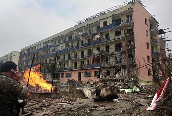 2008 წლის ომის დროს დაზიანებული შენობა გორში
