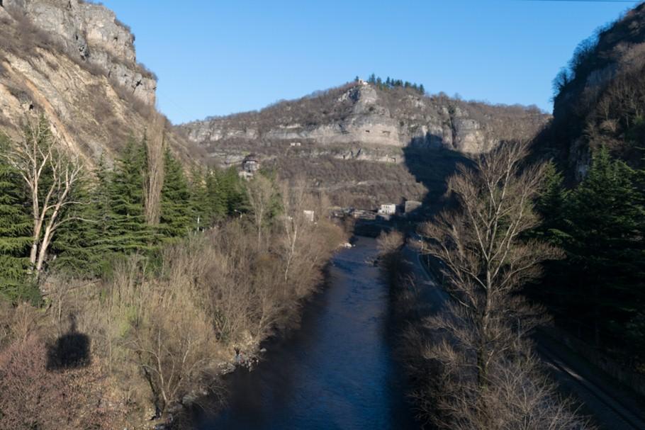 ჭიათურა, მდინარე ყვირილა
