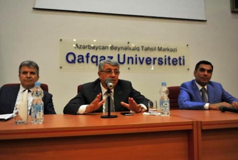 შეხვედრა აზერბაიჯანის კავკასიის უნივერსიტეტში